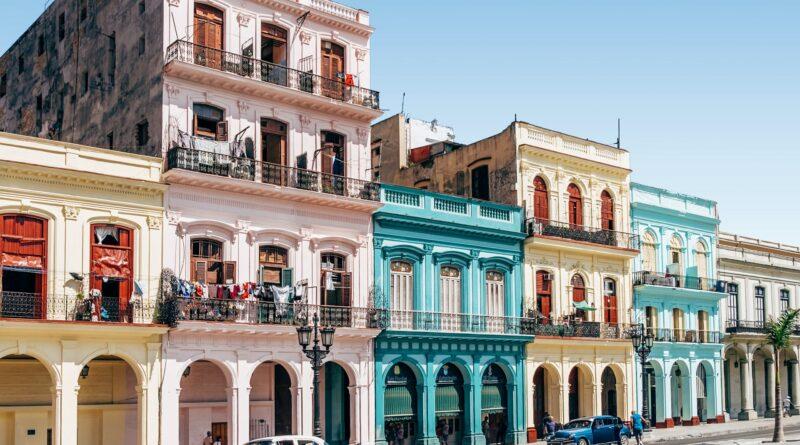 Tag på ferie i Cuba og oplev de smukke bygninger
